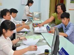 Cán bộ, công chức UBND phường 7, quận Tân Bình, TP HCM trong giờ làm việc. (Ảnh chỉ có tính minh họa)</p> <p>Ảnh: Tấn Thạnh