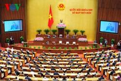 Phó Thủ tướng Nguyễn Xuân Phúc đọc báo cáo tại phiên khai mạc (Ảnh: Giang Huy)