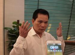 Ông Bùi Sĩ Lợi - Phó Chủ nhiệm Ủy ban về các vấn đề xã hội của Quốc hội trao đổi với báo chí. Ảnh: Xuân Hải