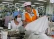 Sản xuất trang phục là một trong những ngành sẽ tuyển dụng nhiều lao động vào 6 tháng cuối năm. (Ảnh minh họa: Hà Thái/TTXVN)